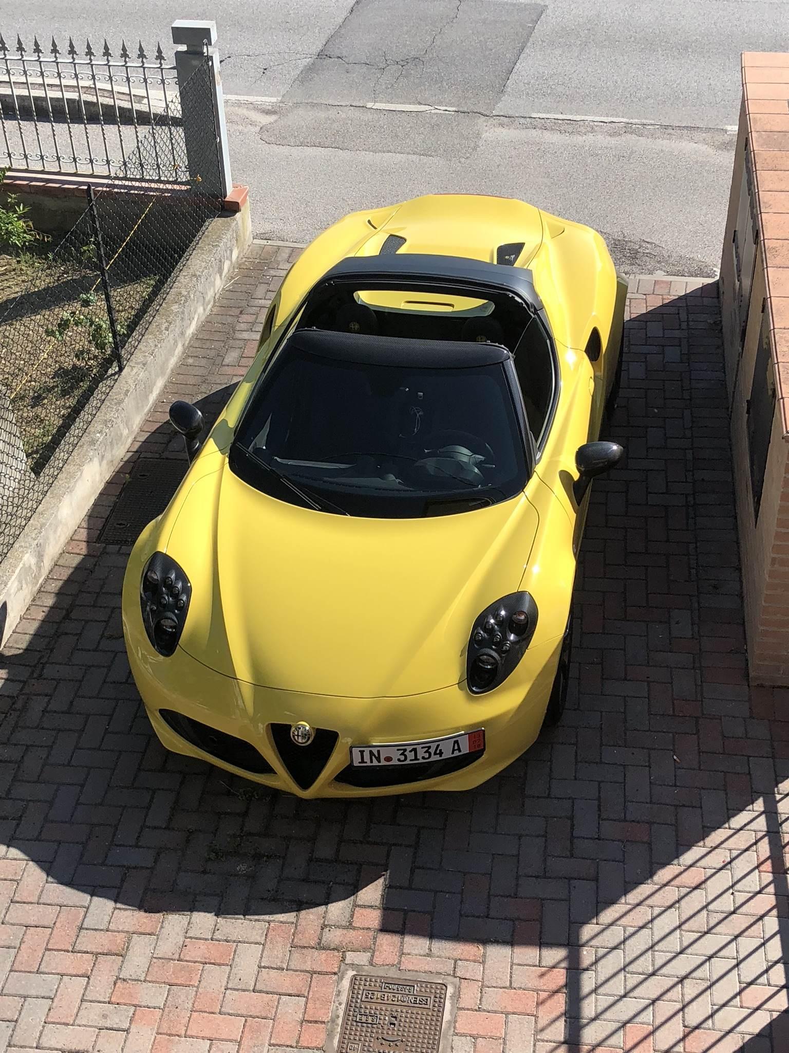 Alfa Romeo 4c 1 750 Tbi 240cv Spider Giallo Prototipo Clubalfa It Forum