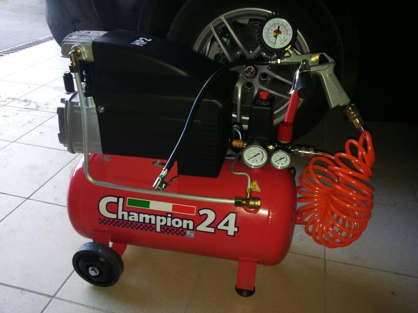 foto Un piccolo compressore esclusivamente per gli pneumatici? - 1
