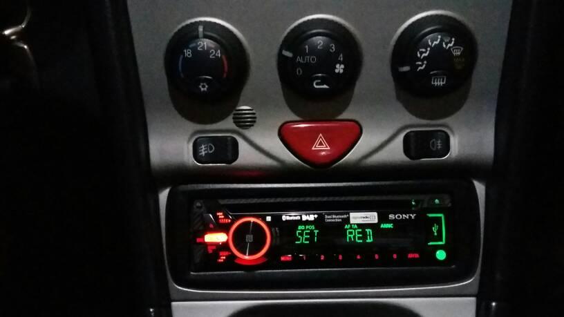 foto Alfa Romeo Spider 916 2.0 T.S. - Profondità alloggiamento autoradio - 1