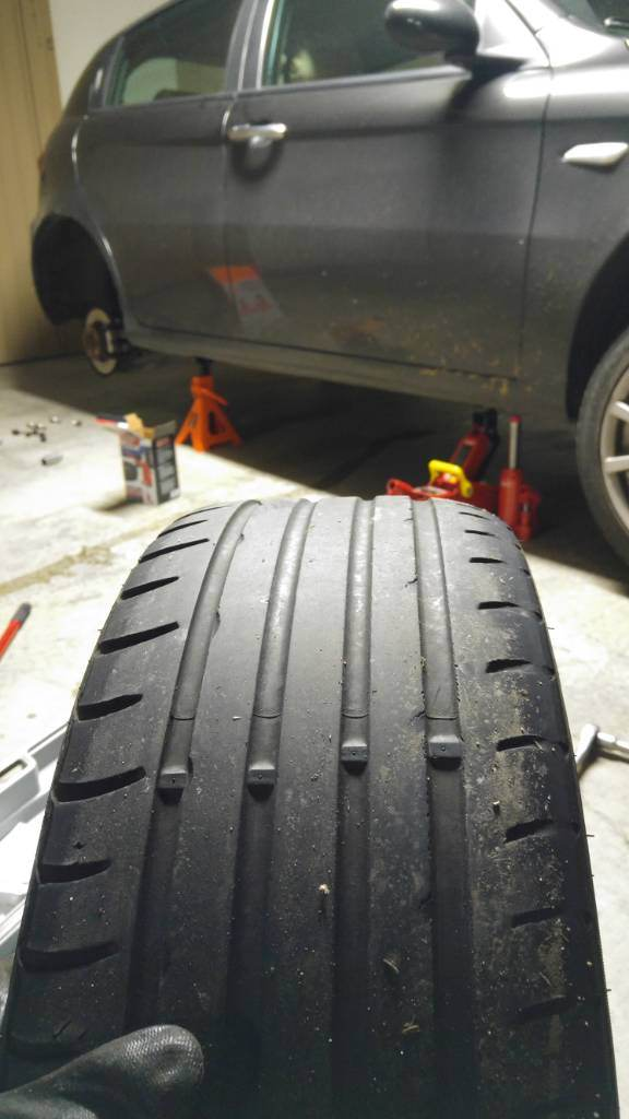 foto Alfa romeo 147: consumo anomalo pneumatici anteriori - 1