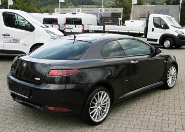 foto Alfa GT - 2.0 16V - Distinctive - 2008 - 6