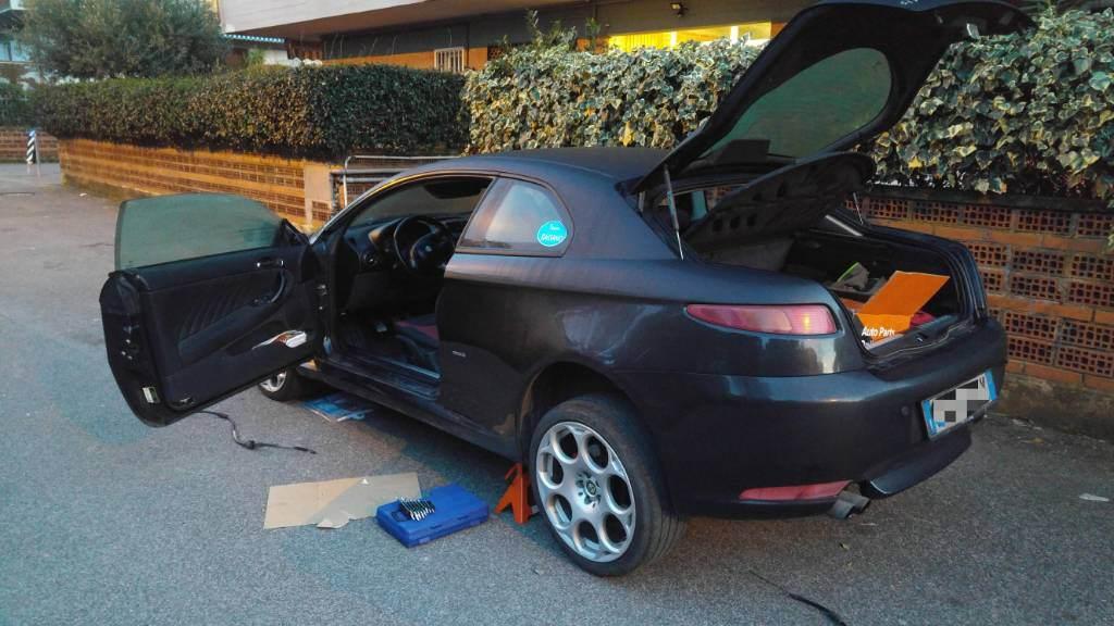 foto Alfa GT - 1.9 jtdm 150cv - blackline - nero - ms - 2
