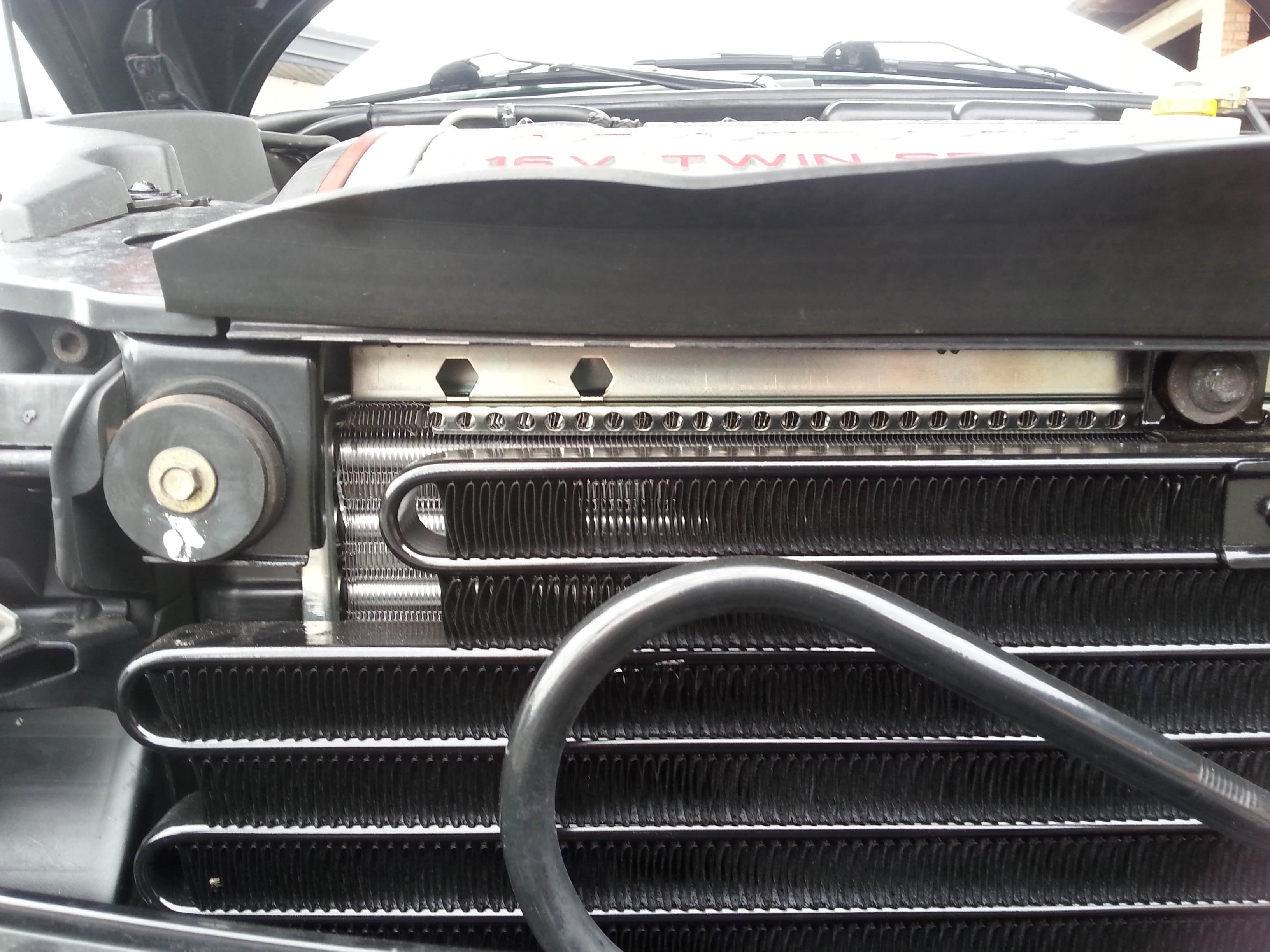 foto Fissaggio radiatore - 3