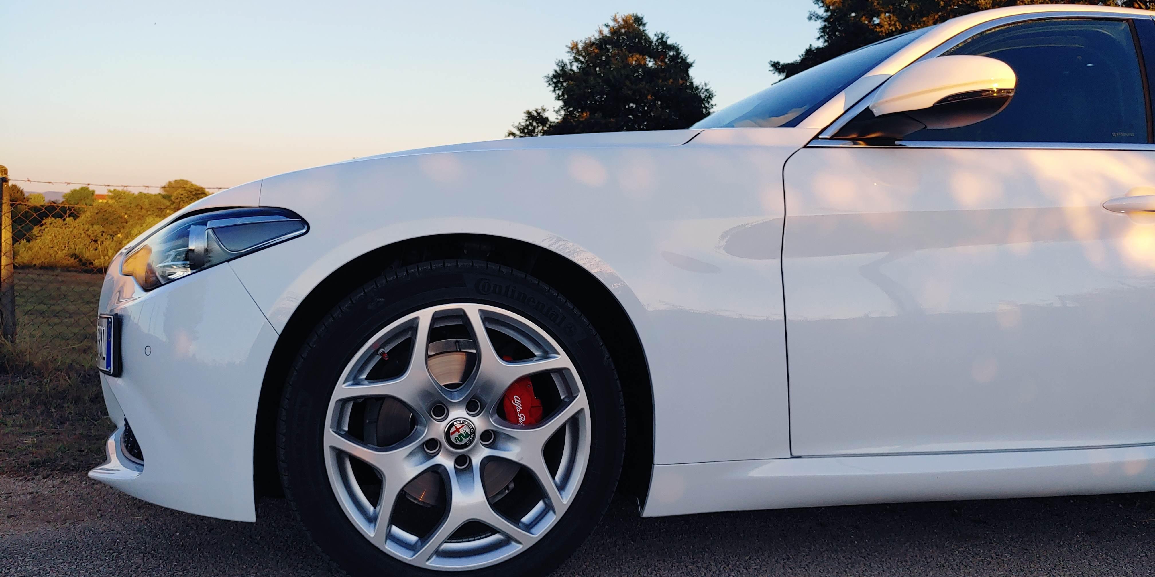 foto Alfa Romeo Giulia - 2.2 mjet 190cv - AT8 -  Executive - Bianco Alfa - RM - 3