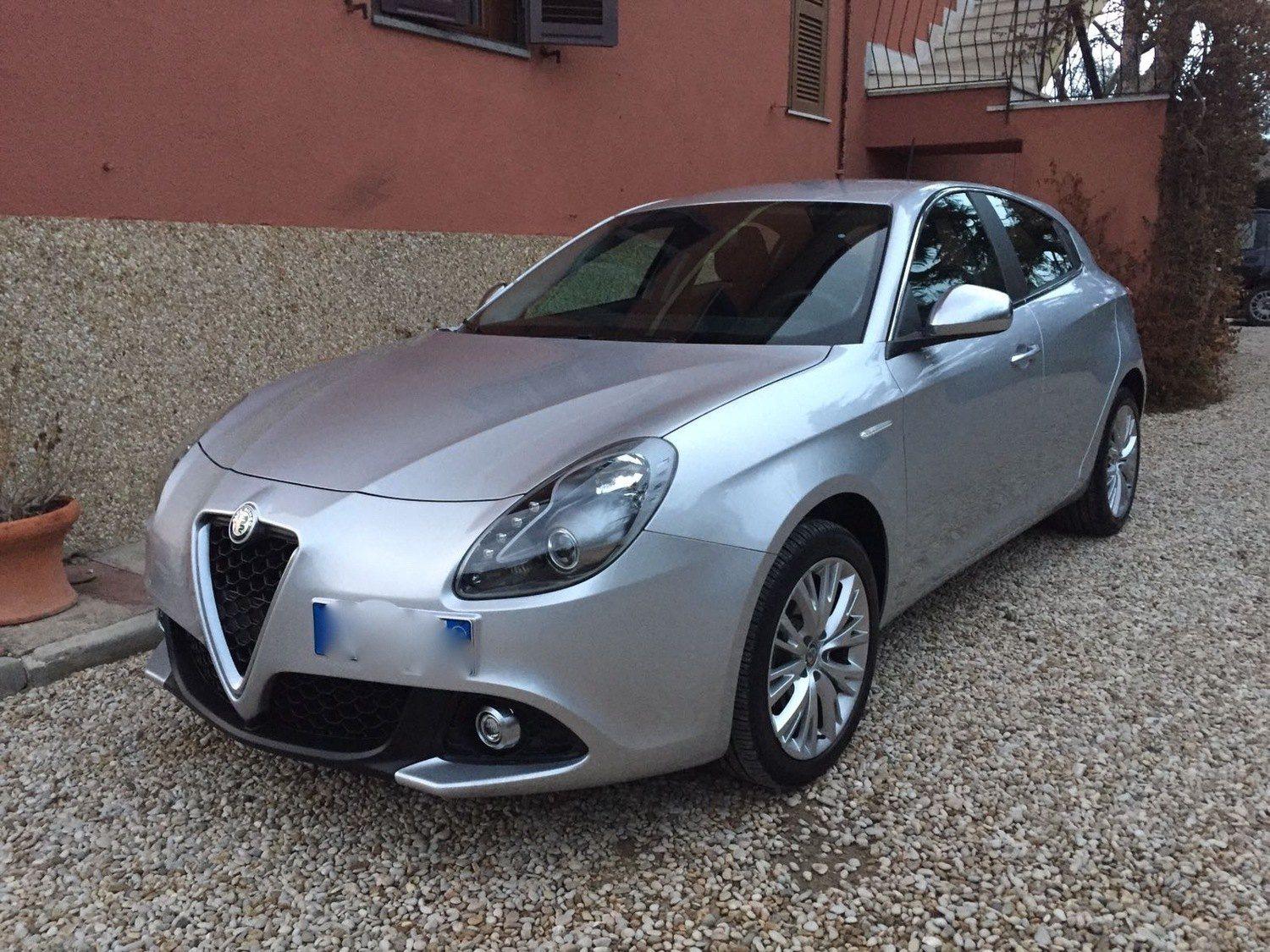 alfa roemo giulietta 1 6 jtdm 120cv my16 super grigio silverstone roma club alfa. Black Bedroom Furniture Sets. Home Design Ideas