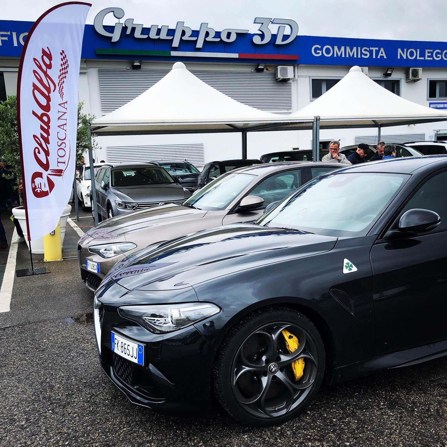 foto Raduno Alfa Romeo & Ferrari a Pistoia - 12