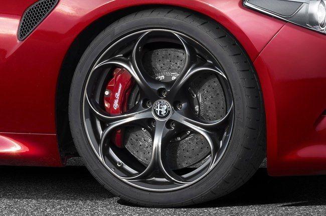 Alfa Romeo Giulia Jpg
