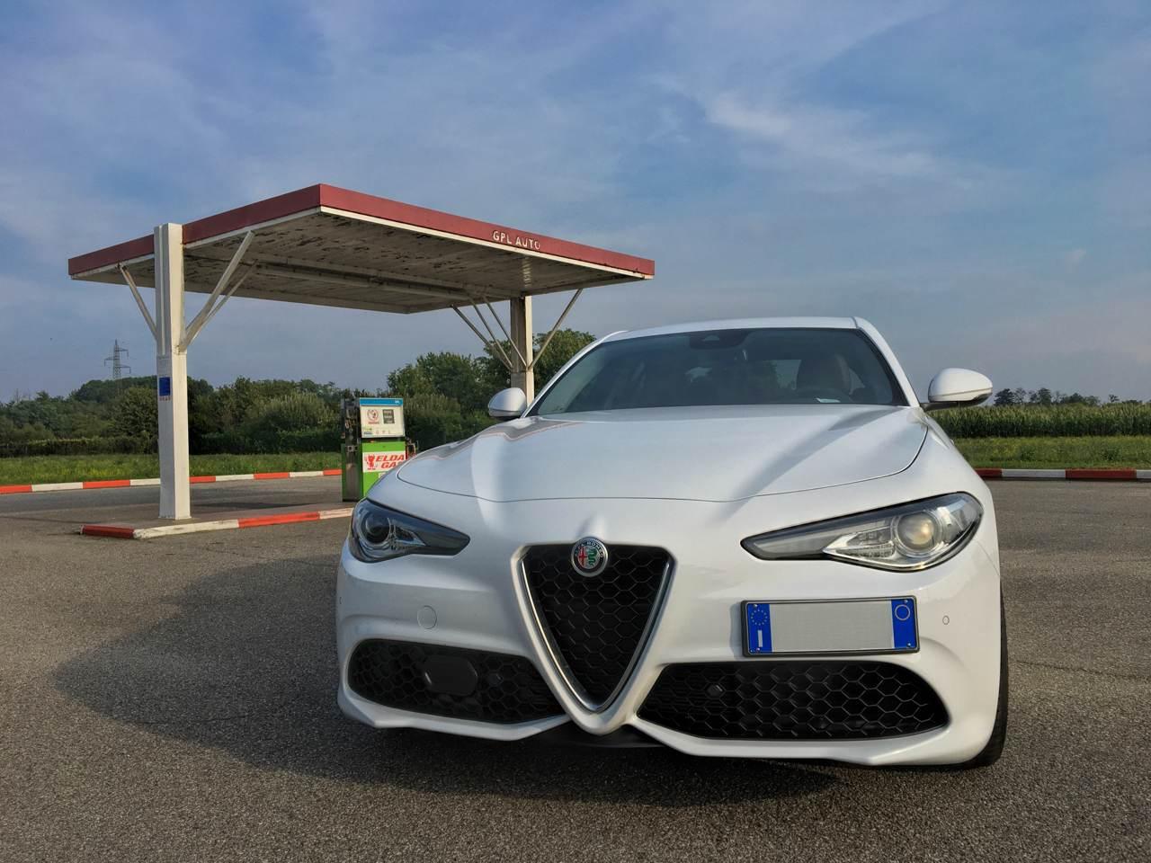 """foto Vendo Alfa Romeo Giulia Super 2.0 """"Sport Edition"""" 200 CV AT8 - 2"""
