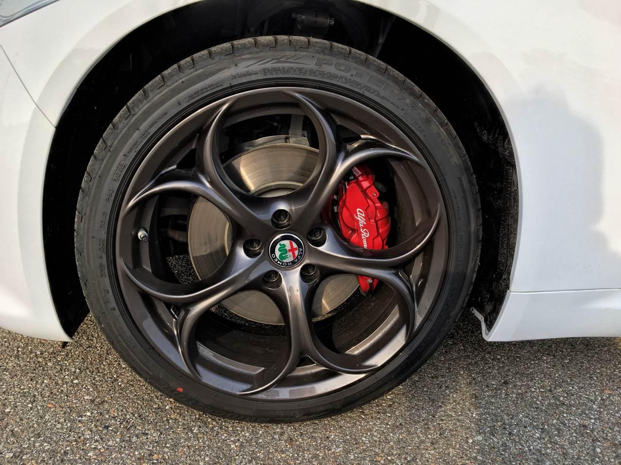 """foto Vendo Alfa Romeo Giulia Super 2.0 """"Sport Edition"""" 200 CV AT8 - 3"""