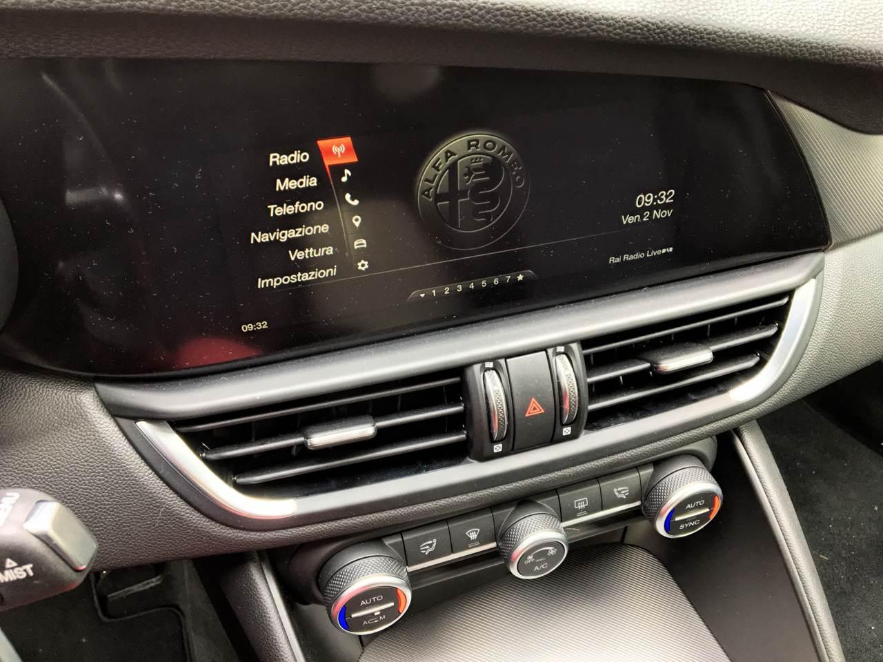 """foto Vendo Alfa Romeo Giulia Super 2.0 """"Sport Edition"""" 200 CV AT8 - 7"""