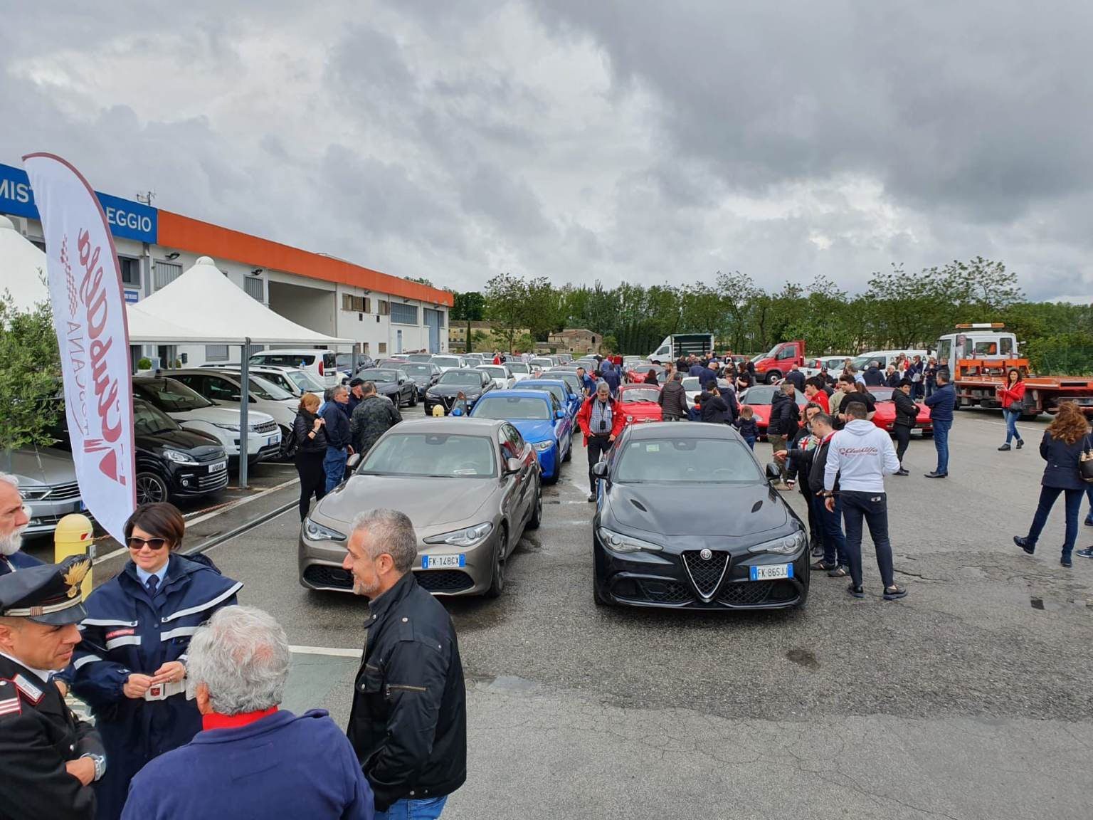 foto Raduno Alfa Romeo & Ferrari a Pistoia - 6