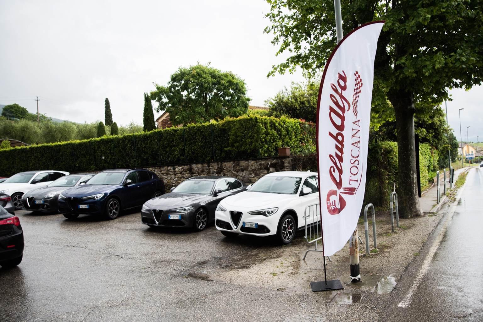 foto Raduno Alfa Romeo & Ferrari a Pistoia - 3