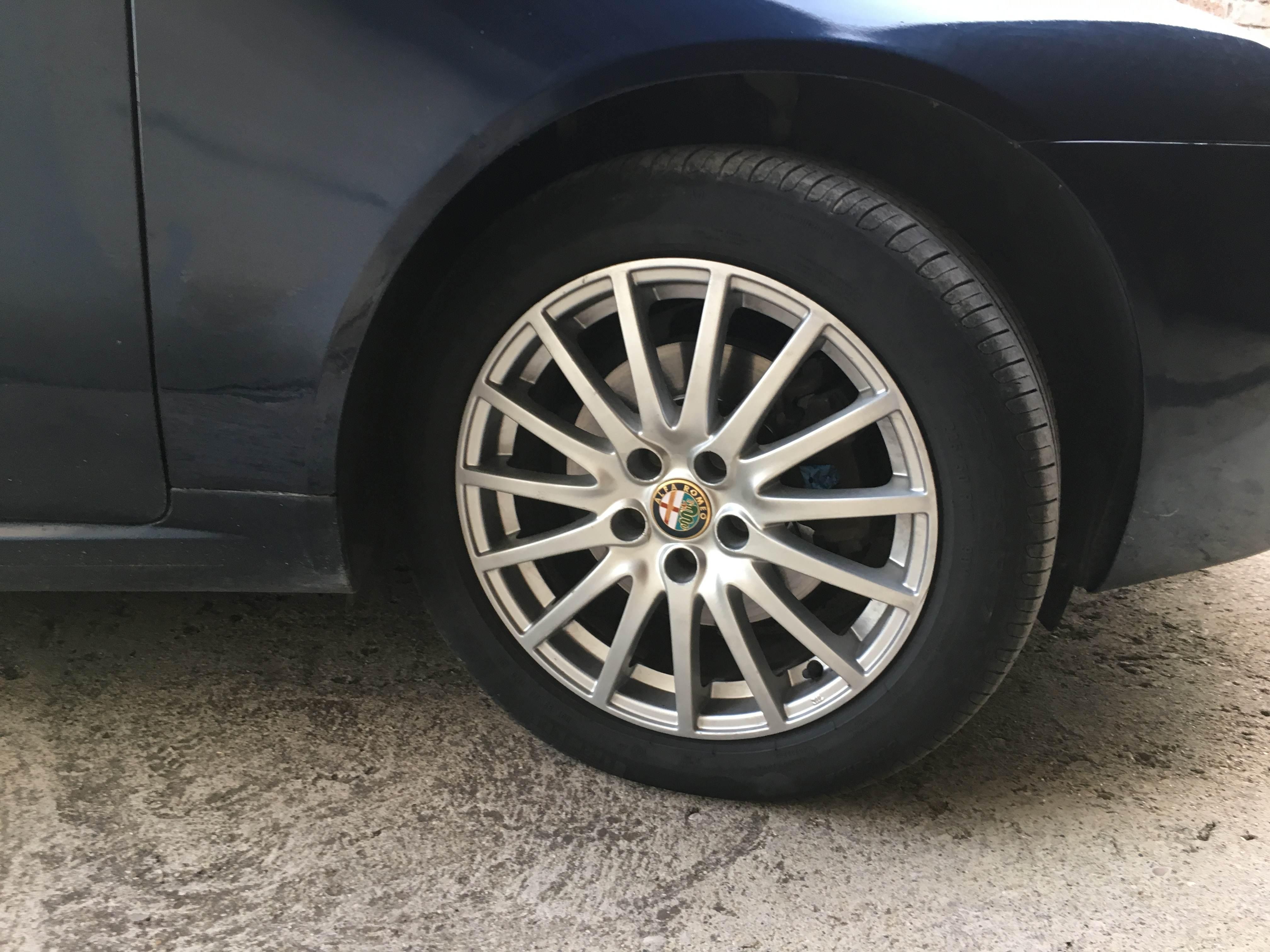 foto Alfa Romeo 159 - 1.9 JTDm 150cv - Blu metallizzato - 2007 - VT - 3