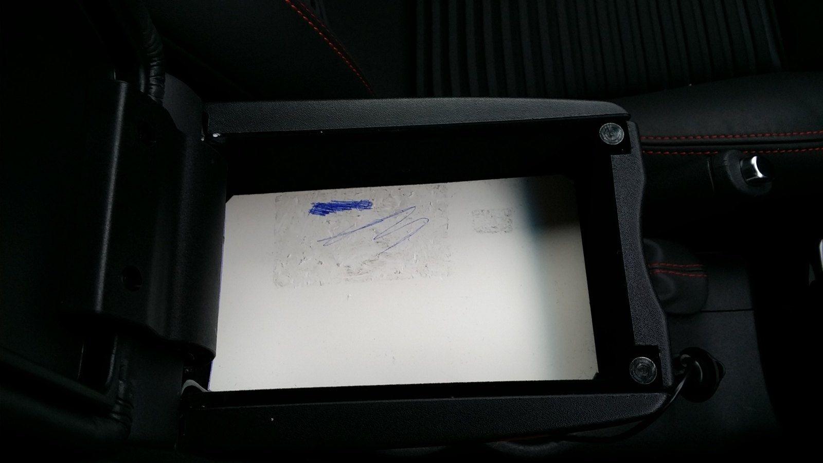 foto [GUIDA] Wireless charging Ricarica Wireless nel porta oggetti - 7