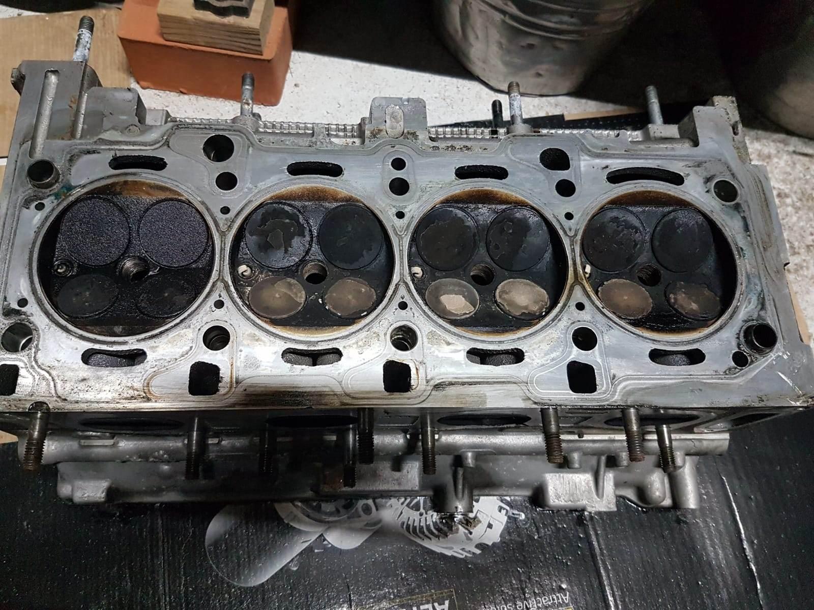 foto Consumo eccessivo olio 147 1.6 105 cv - 3