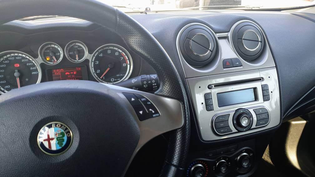 foto Alfa Romeo MiTo - 1.4 78cv 16v - Junior Sport Pack - 2