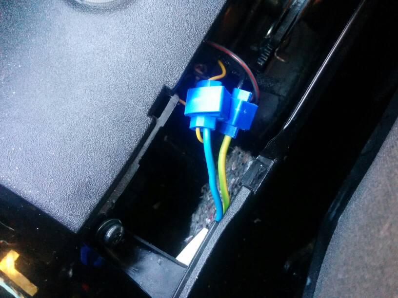 foto Giulietta - Modifica del vano Radionavigatore per installare Tablet/CarPC - 11