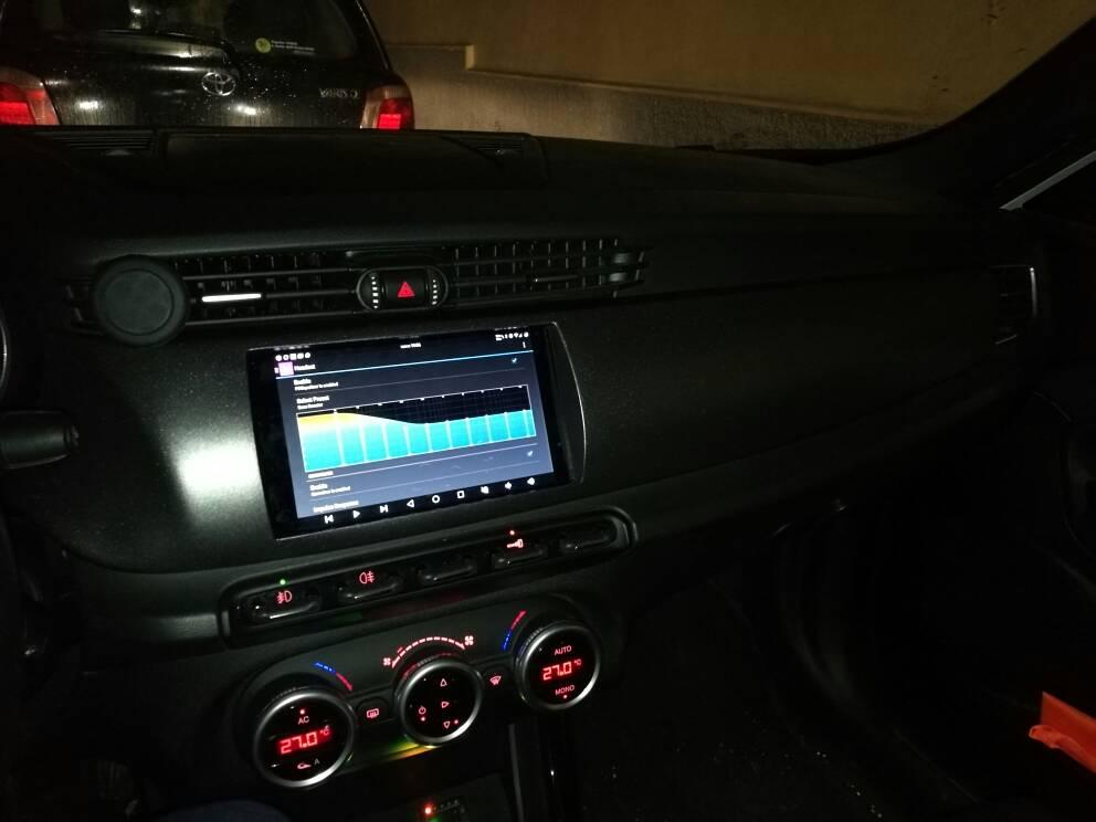 foto Giulietta - Modifica del vano Radionavigatore per installare Tablet/CarPC - 1