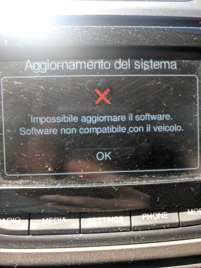 "foto uConnect 5"" Aggiornamento Software Firmware - 2"