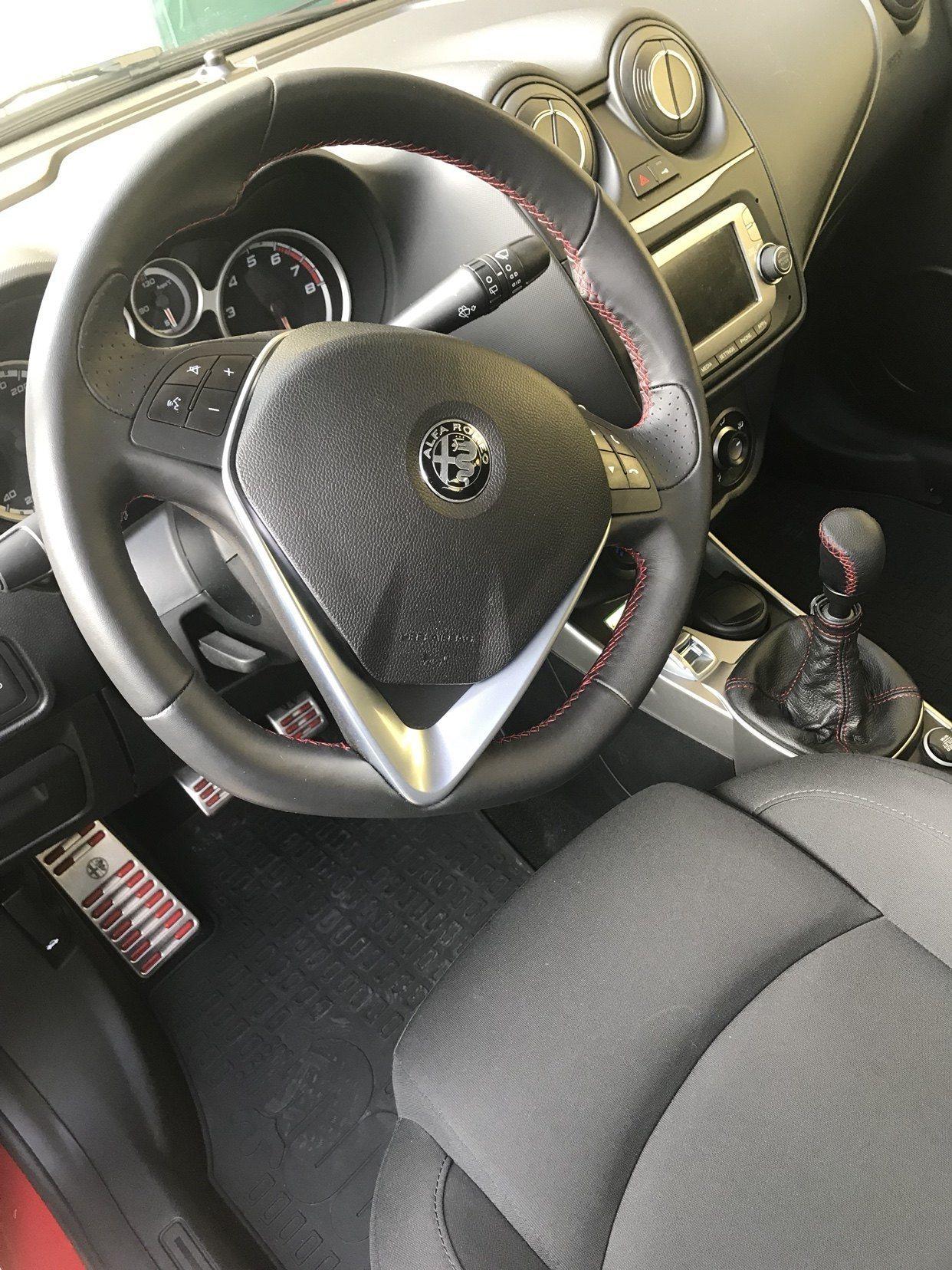 foto Alfa Romeo MiTo - 1.3 jtdm2 - Distinctive -  nero pastello - MB - 3