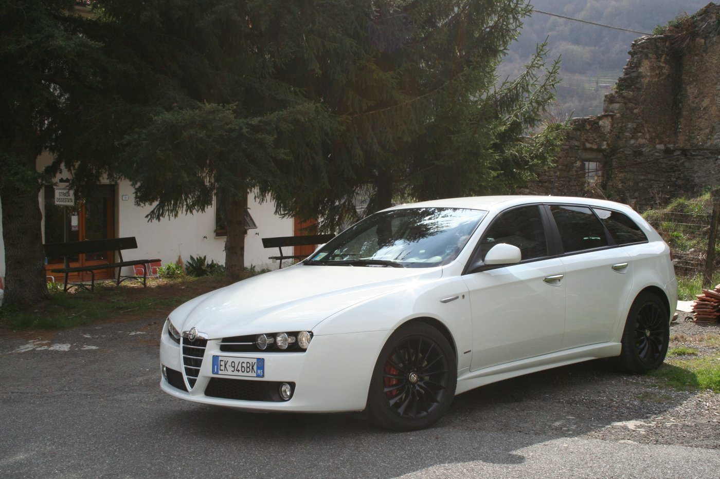 alfa romeo 159 sw 2 0 jtdm ti bianca 2011 ms club alfa forum alfa romeo. Black Bedroom Furniture Sets. Home Design Ideas