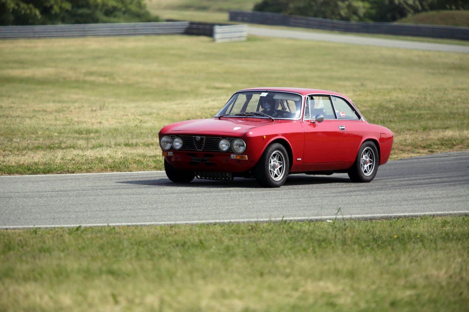 foto Alfa Romeo 2000 GT VELOCE - Grigio - 1972 - MI - 3