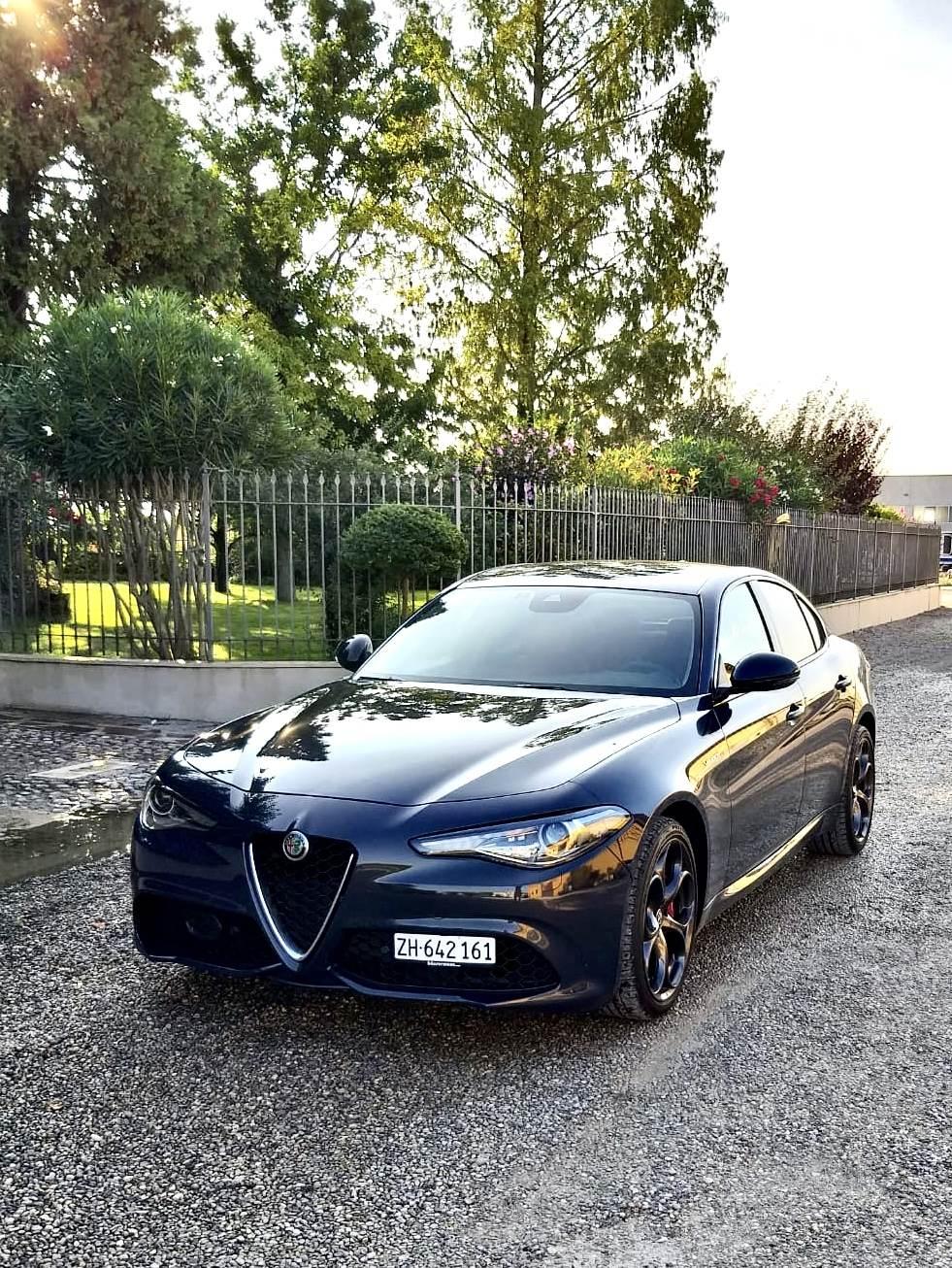 foto Alfa Romeo Giulia - 2.2 mjet 210cv - AT8 - Q4 - Veloce - Grigio Lipari - Svizzera - 4