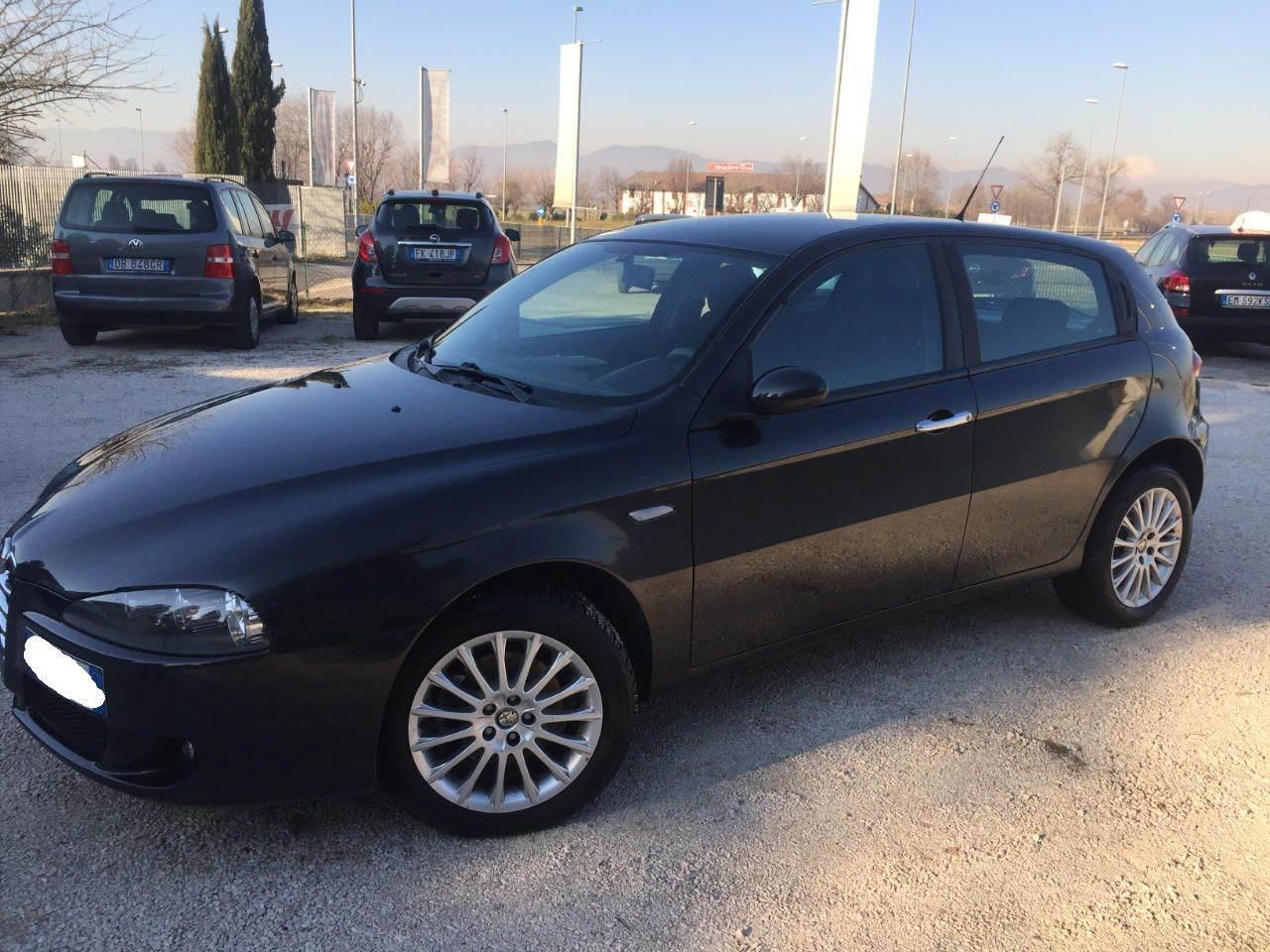 foto Alfa 147 1.6 TS 105cv Black Line Nera 2006 Verona - 2