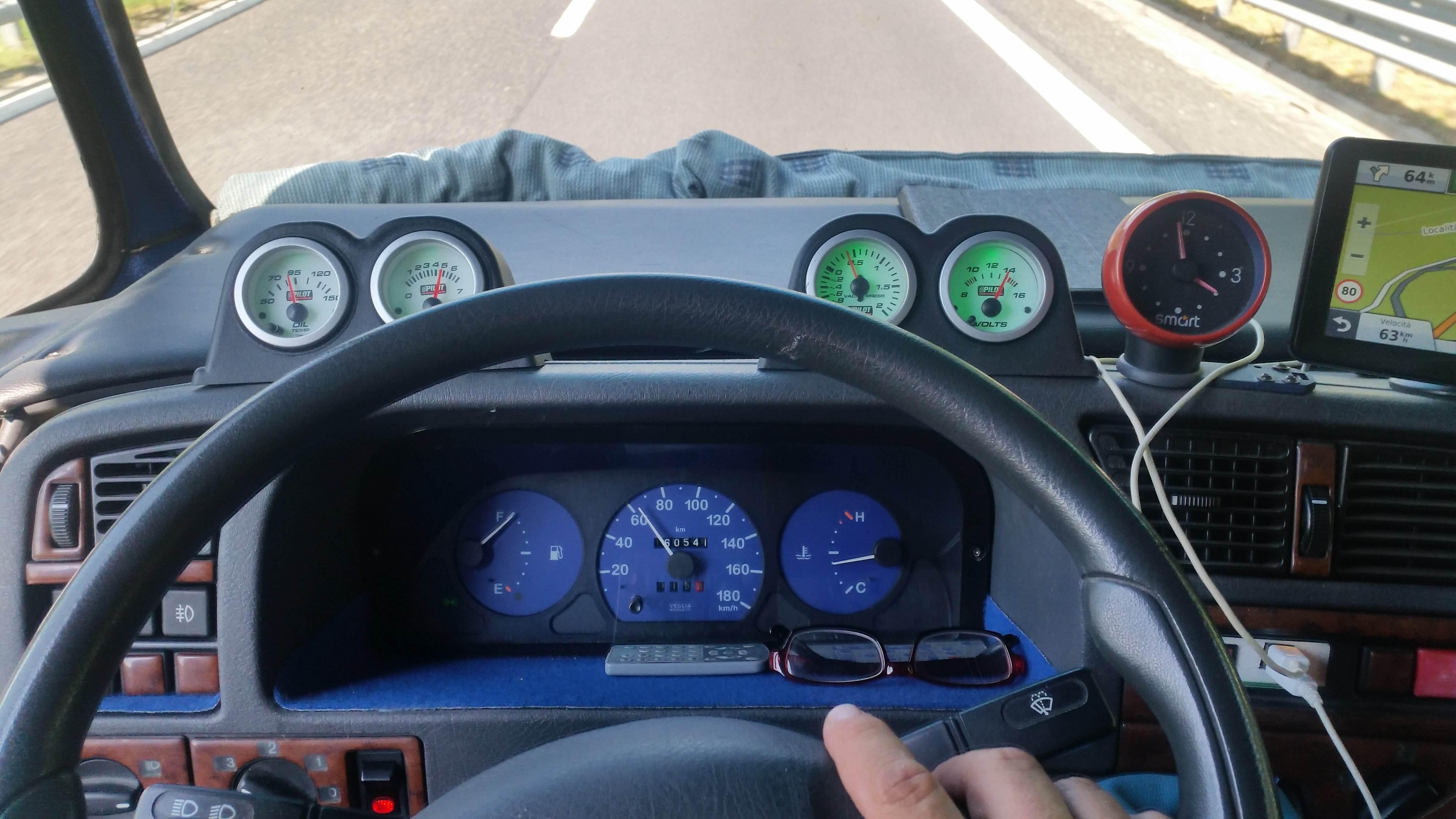 foto Strumentazione aggiuntiva 166 V6 turbo!! - 1