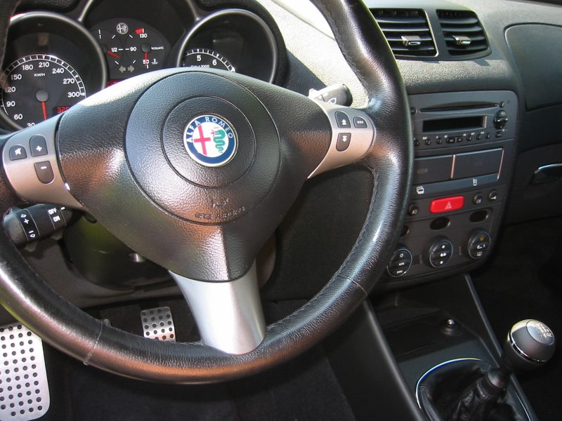 foto Alfa 147 - 3.2 V6 GTA - Grigio Sterling - 2004 - MS - 13