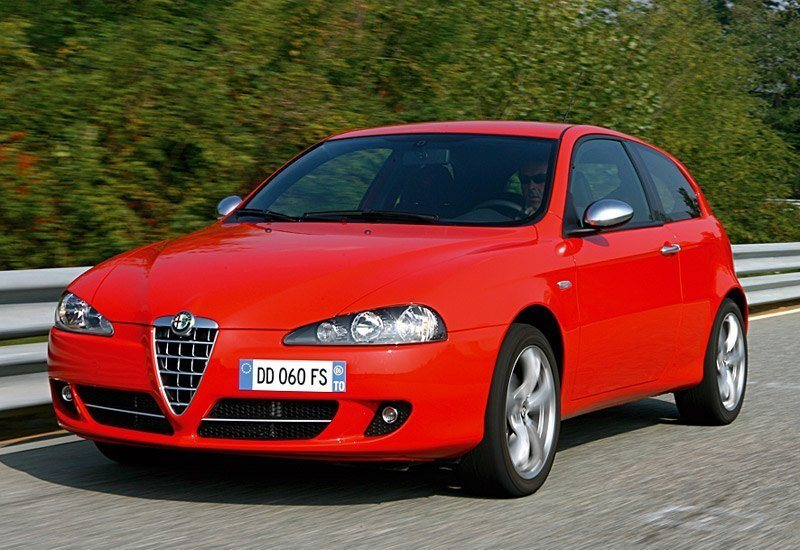 www.omniauto.it_awpImages_photogallery_2006_5108_photos_alfa_147_q2_37202.jpg