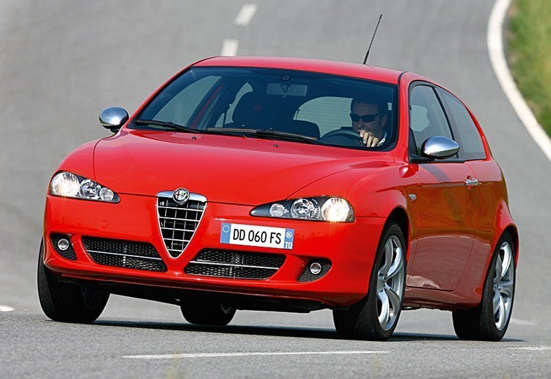www.omniauto.it_awpImages_photogallery_2006_5108_photos_alfa_147_q2_37203.jpg