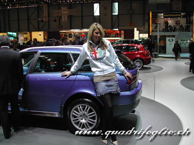 www.quadrifoglio.ch_coppermine_albums_upload_2005_autosalon05_girls_Bild006.jpg