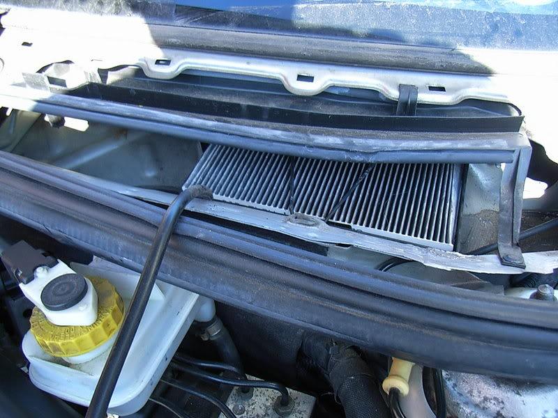 Sostituzione filtro antipolline su alfa 156 1a serie for Filtro aria cabina passat 2012
