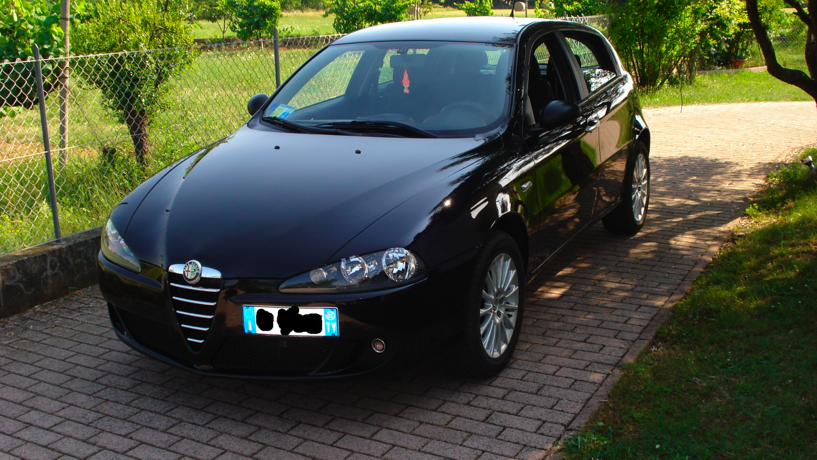 alfa romeo 147 1 9 jtd 115 cv nera club alfa forum alfa romeo. Black Bedroom Furniture Sets. Home Design Ideas