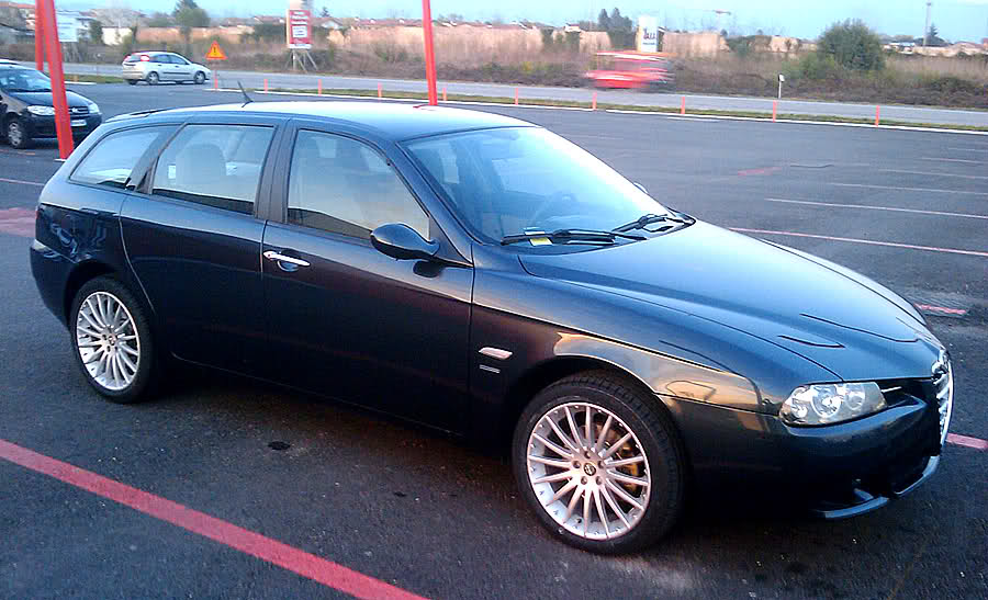 alfa 156 sw 1 9 jtd classic blu notte 2004 ud pagina 9 club alfa forum alfa romeo. Black Bedroom Furniture Sets. Home Design Ideas