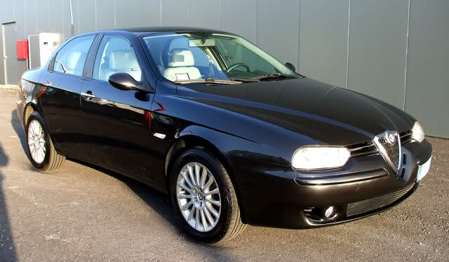foto Alfa 156 - 1.9 JTD 8V - Distinctive - Nera - 2003 - UD - {attachcounter}