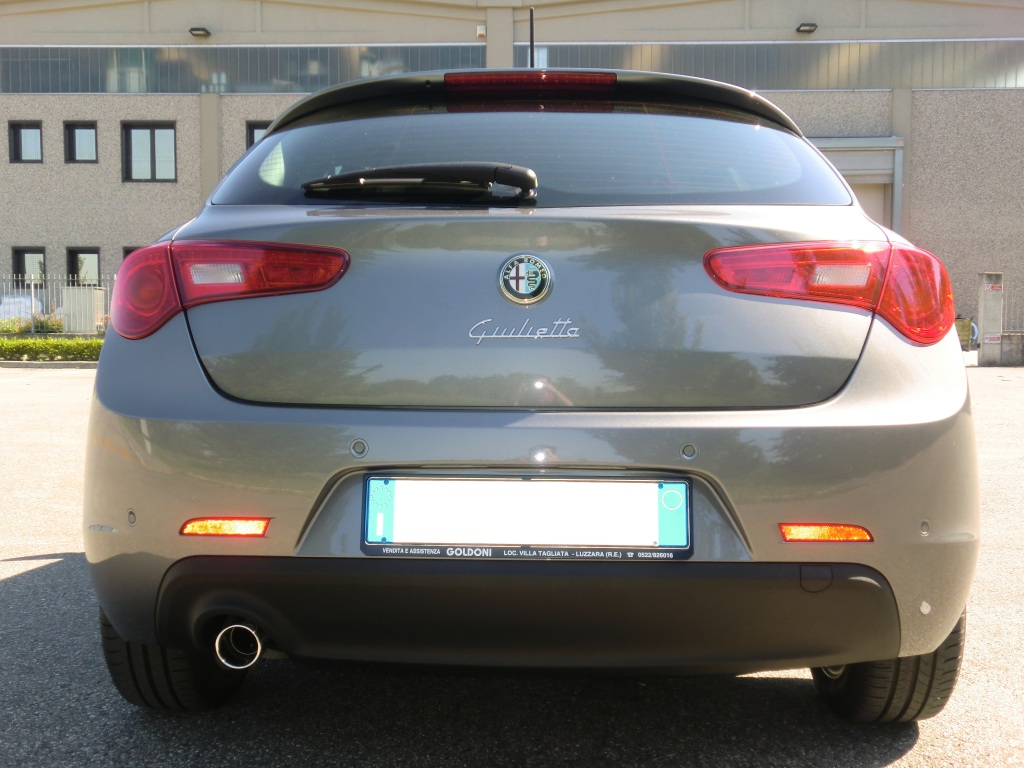 alfa romeo giulietta 1 6 jtdm2 105cv distinctive grigio magnesio 2012 re club alfa. Black Bedroom Furniture Sets. Home Design Ideas