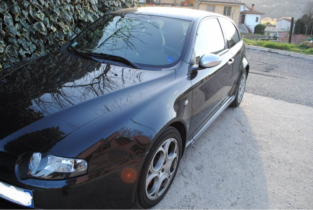 foto Alfa 147 GTA - 3.2 v6 - Nero Metallizzato - 2002 - MI - {attachcounter}