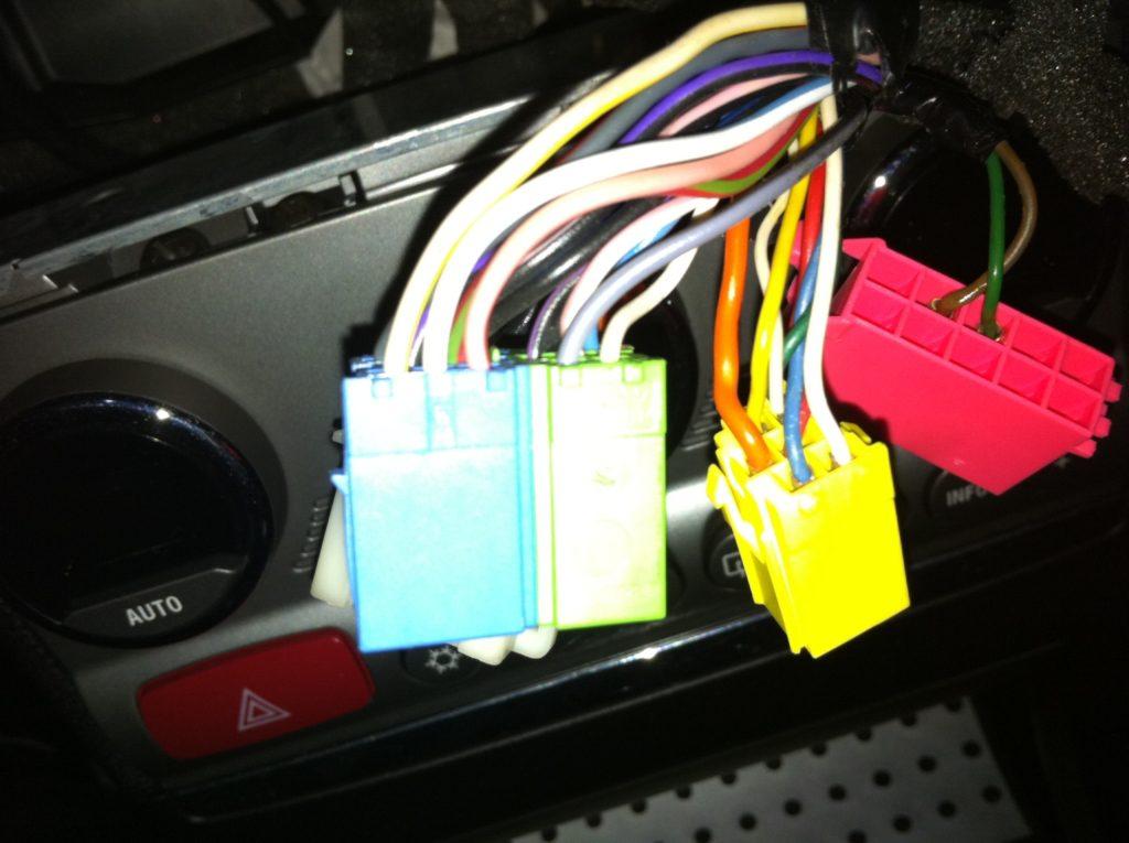 foto Interfaccia comandi al volante alfa 156 GTA Mini Iso OE 60678515 - {attachcounter}