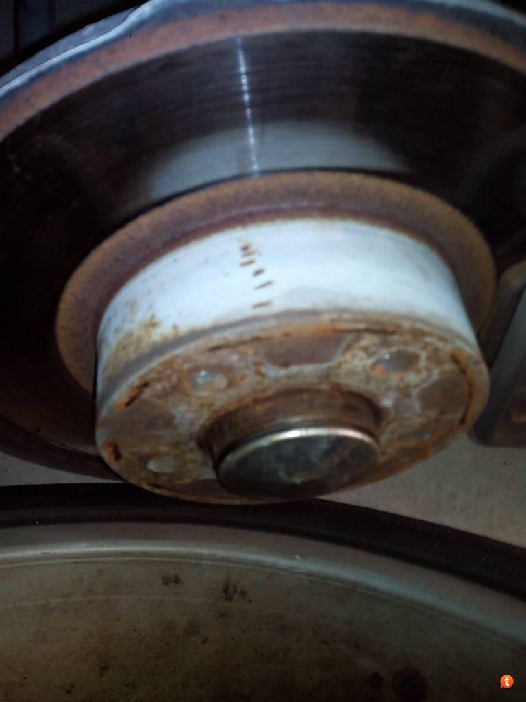 foto Alfa 147 - sostituire cuscinetti ruota - {attachcounter}