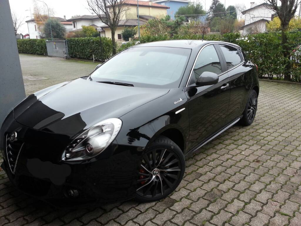 alfa romeo giulietta my 2014 1 6jtdm2 105cv exclusive qv line nero pastello ve club alfa forum. Black Bedroom Furniture Sets. Home Design Ideas