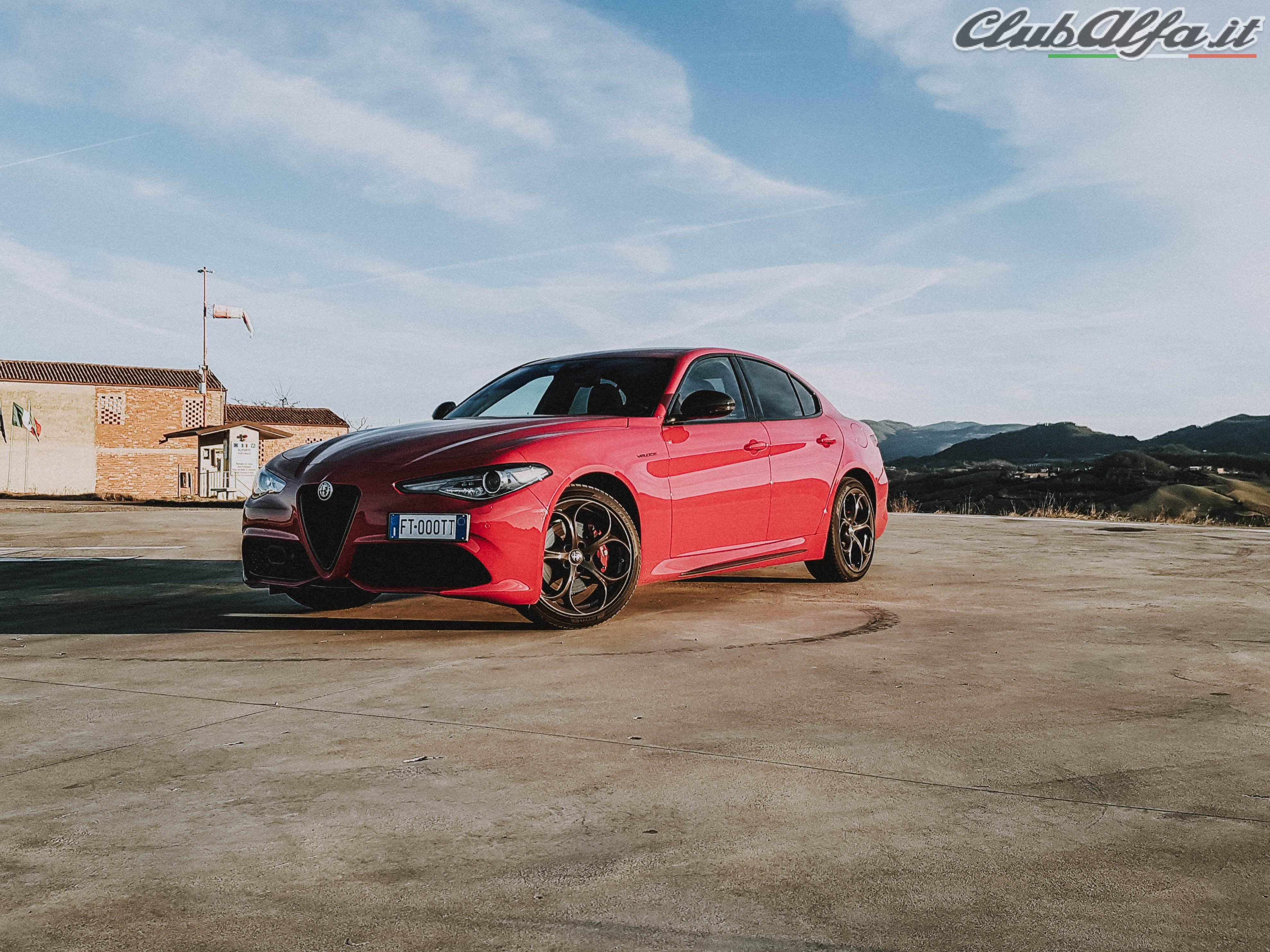 Alfa Romeo Giulia - 2.0 TB 280cv - AT8 - Veloce TI - Rosso ...